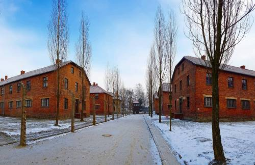 welcome-to-auschwitz-streets-museum