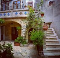 steffisays-sicily-typical-Erice-house-home